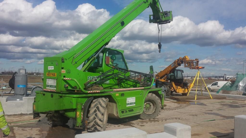 Plant hire : Merlo Roto Truck